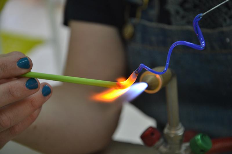 תכשיטי זכוכית עבודת יד - סטודיו מנדרינה
